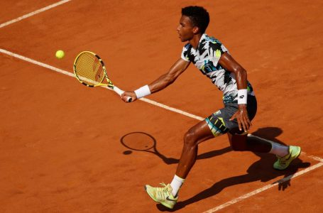 Auger-Aliassime swept in 1st round of French Open by unseeded Nishioka