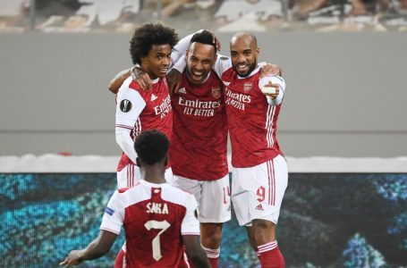 Aubameyang double helps Arsenal reach round of 16 in dramatic fashion