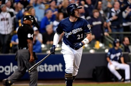 Milwaukee Brewers sign Travis Shaw to minor league deal