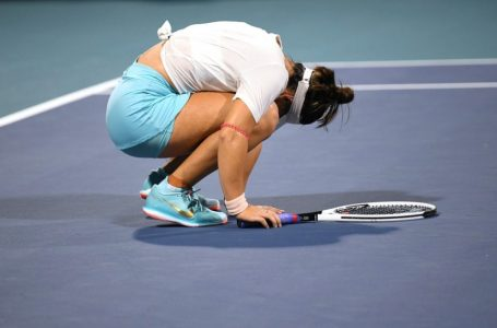 Bianca Andreescu retires from Miami Open final with ankle injury