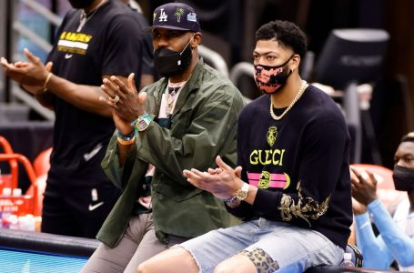 Anthony Davis days away from return, LeBron James progressing to 'light work' on court
